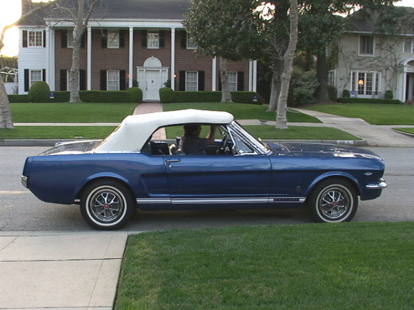 1966 FORD MUSTANG CONVERTIBLE - Side Profile - 23701