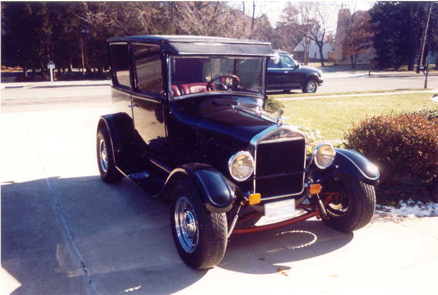 1927 FORD MODEL T 2 DOOR HOT ROD - Front 3/4 - 23705