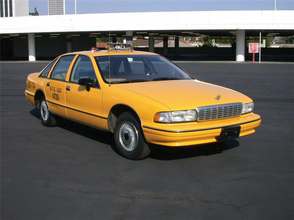 """1993 CHEVROLET CAPRICE TAXICAB """"SEINFELD"""" TV SERIES - Front 3/4 - 23713"""