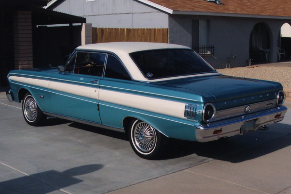 1964 FORD FALCON FUTURA 2 DOOR HARDTOP - Rear 3/4 - 23714