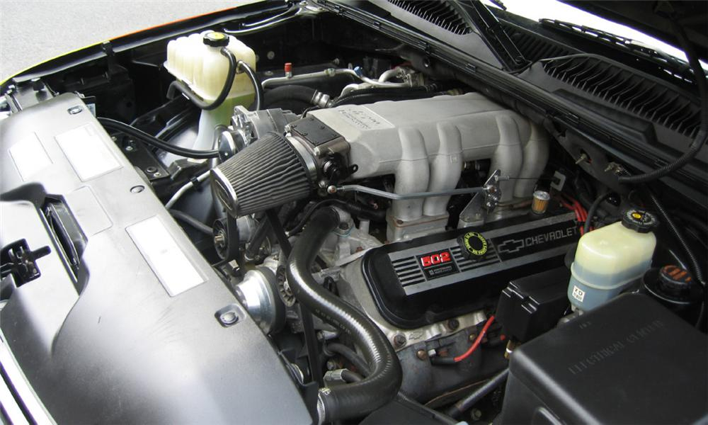 2000 CHEVROLET SUBURBAN CUSTOM - Engine - 23806