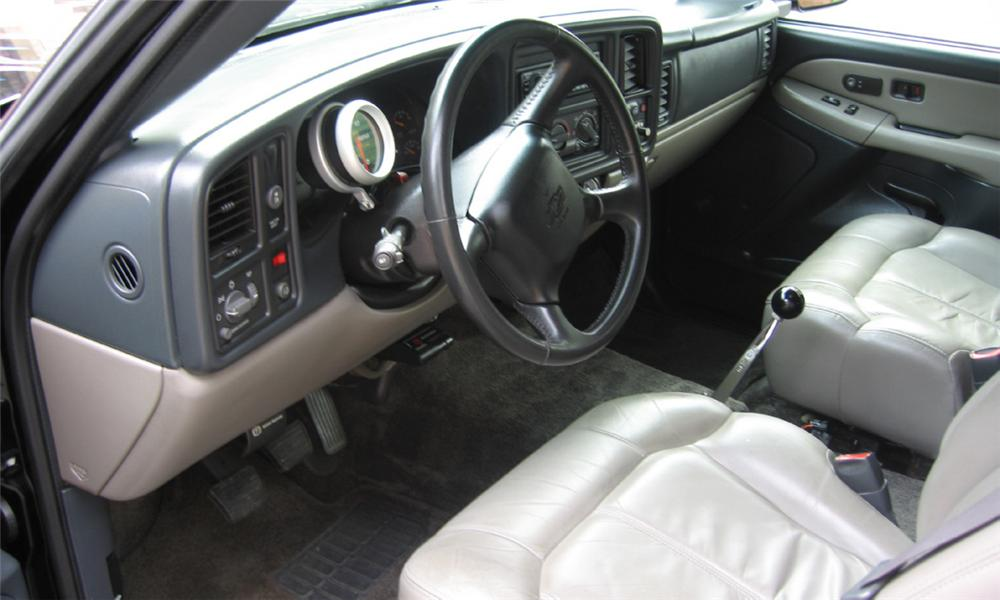 2000 CHEVROLET SUBURBAN CUSTOM - Interior - 23806