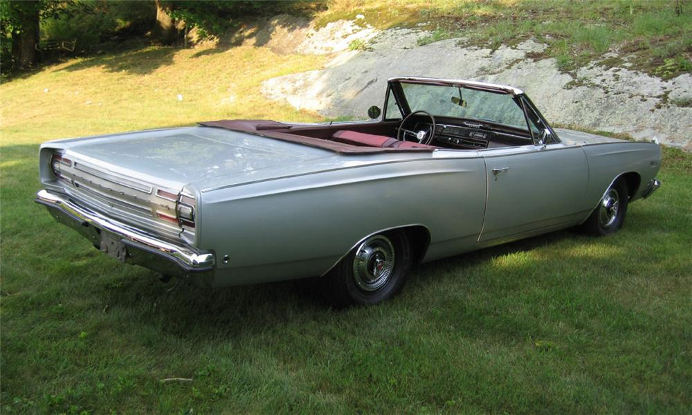1968 PLYMOUTH SATELLITE CONVERTIBLE - Rear 3/4 - 23811
