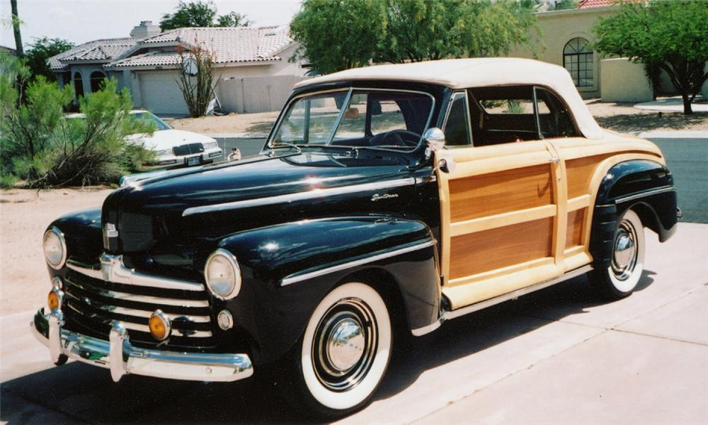 1947 FORD SPORTSMAN CONVERTIBLE - Front 3/4 - 23816