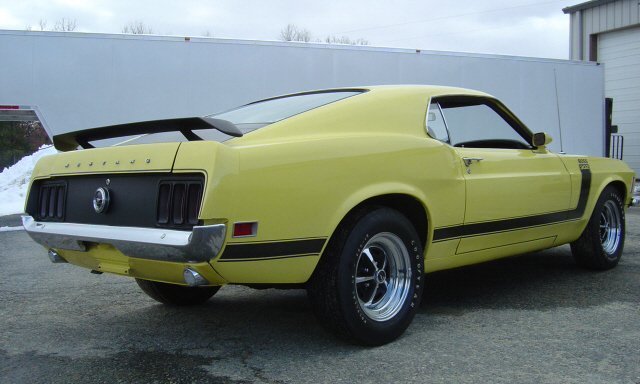 1970 FORD MUSTANG BOSS 302 FASTBACK - Rear 3/4 - 23954