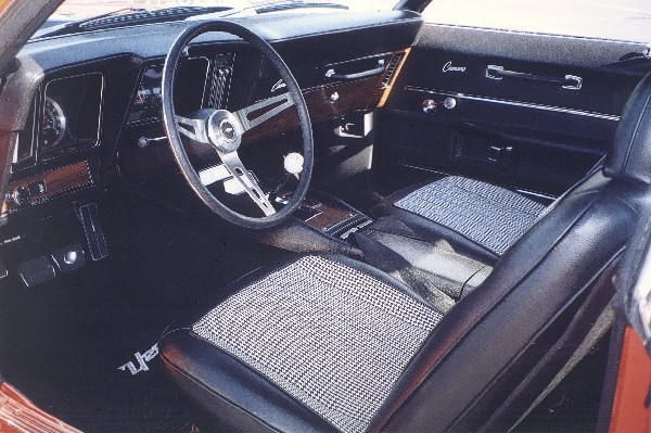 1969 CHEVROLET CAMARO Z/28 COUPE - Interior - 24070