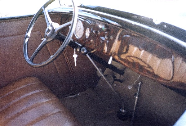 1934 FORD 40 STREET ROD ROADSTER - Interior - 24074