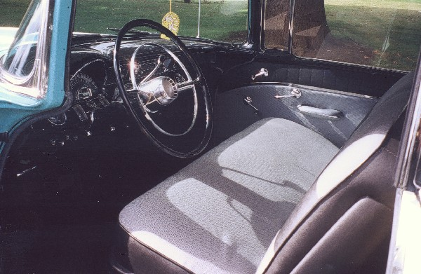 1955 PONTIAC CHIEFTAIN 2 DOOR HARDTOP - Interior - 24084