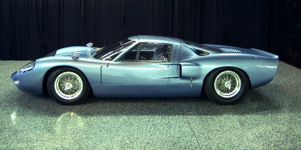 1967 FORD GT40 MARK III COUPE - Side Profile - 24087
