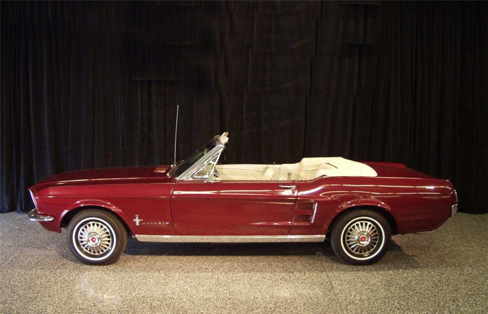 1967 FORD MUSTANG CONVERTIBLE - Side Profile - 24137