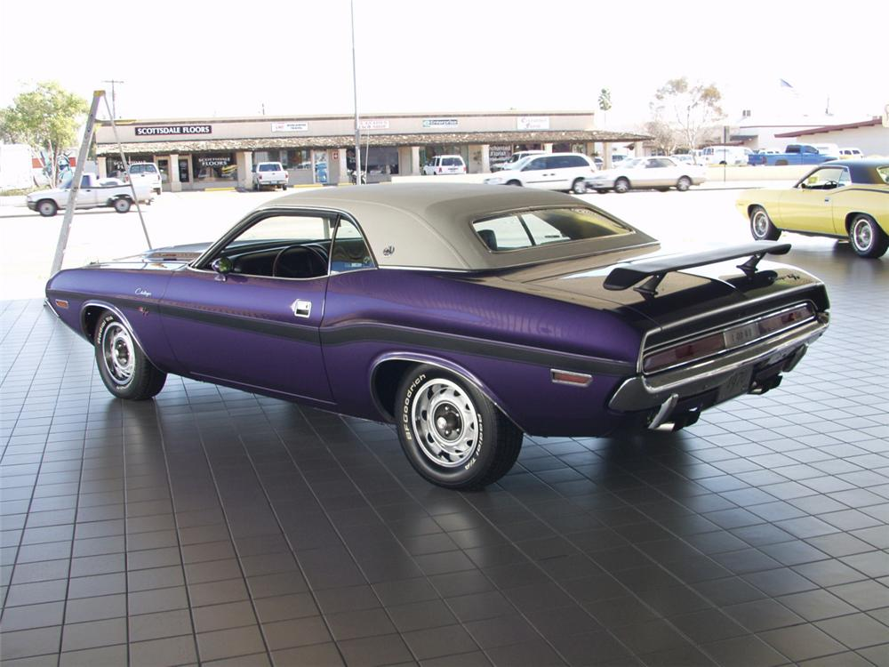 1970 DODGE CHALLENGER R/T SE 2 DOOR HARDTOP - Rear 3/4 - 24159