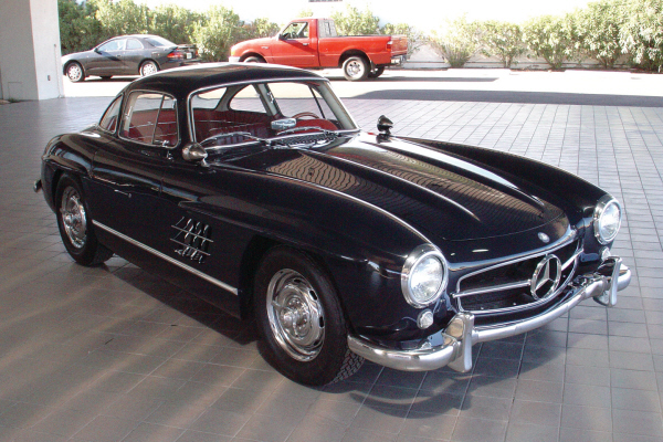 1955 MERCEDES-BENZ GULLWING RE-CREATION - Front 3/4 - 24190