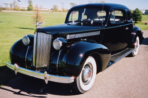 1939 PACKARD 2 DOOR COUPE - Front 3/4 - 24196