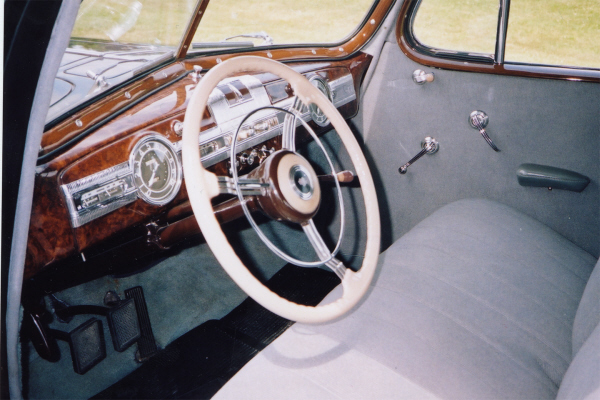 1939 PACKARD 2 DOOR COUPE - Interior - 24196
