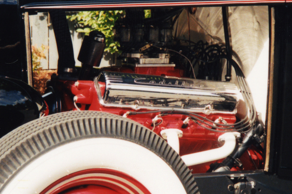 1932 FORD ROADSTER HOT ROD - Engine - 24202