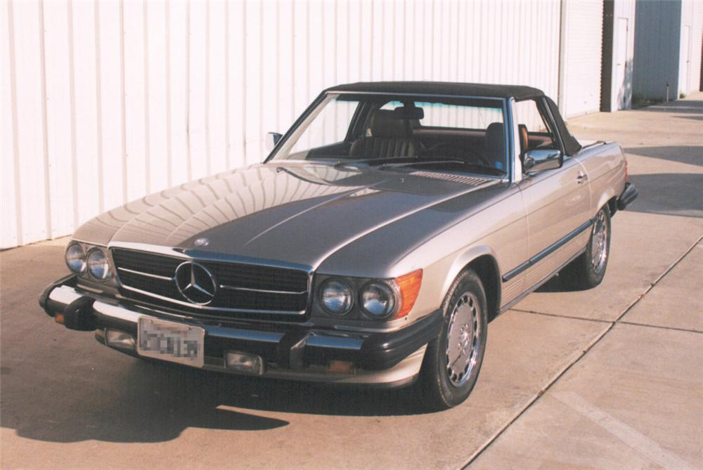1988 MERCEDES-BENZ 560SL ROADSTER - Front 3/4 - 24223