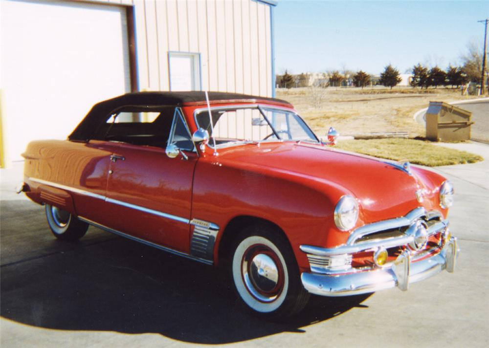 1950 FORD CONVERTIBLE - Front 3/4 - 24247