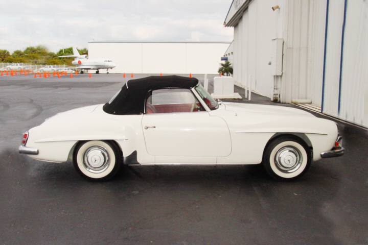 1962 MERCEDES-BENZ 190SL 2 DOOR - Front 3/4 - 24248