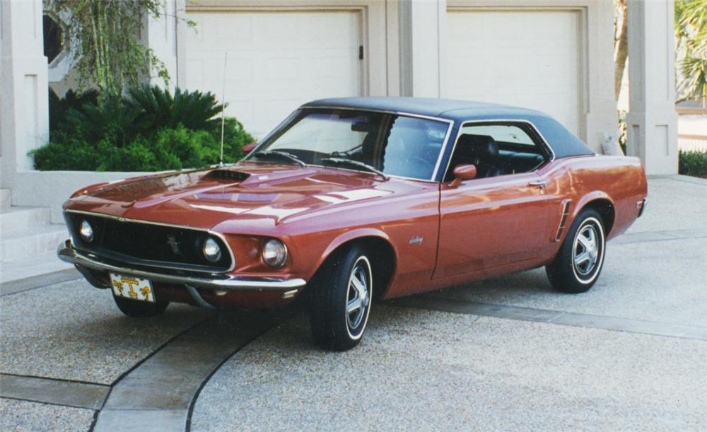 1969 FORD MUSTANG HARDTOP COUPE - Front 3/4 - 24298