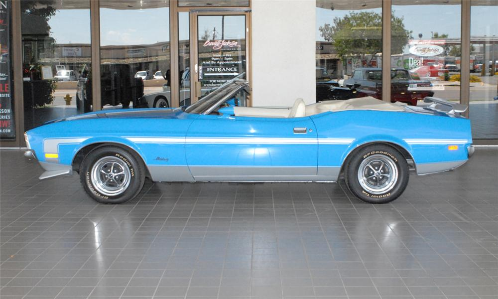 1972 FORD MUSTANG CONVERTIBLE - Side Profile - 24299