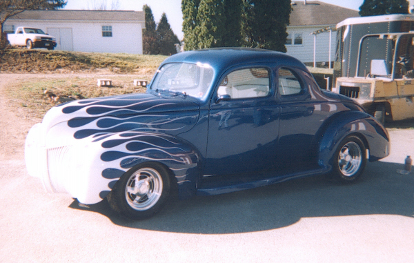 1940 FORD 2 DOOR COUPE - Front 3/4 - 24304