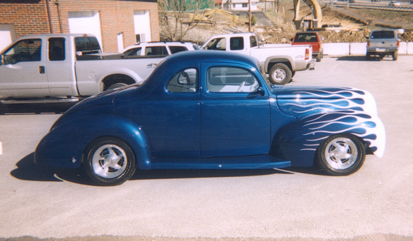 1940 FORD 2 DOOR COUPE - Side Profile - 24304