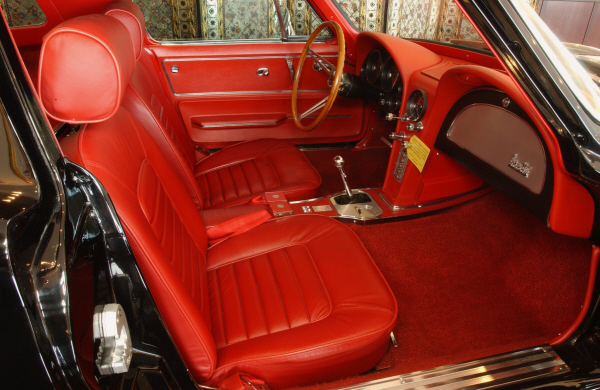 1967 CHEVROLET CORVETTE CONVERTIBLE - Interior - 24308