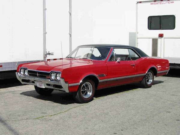 1966 OLDSMOBILE 442 W30 COUPE - Front 3/4 - 24379