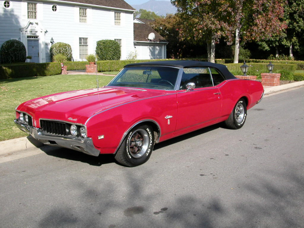 1969 OLDSMOBILE CUTLASS CONVERTIBLE - Front 3/4 - 24464