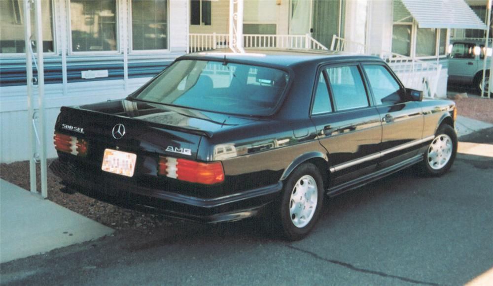 1985 MERCEDES-BENZ 500SEL 4 DOOR SEDAN - Rear 3/4 - 24509