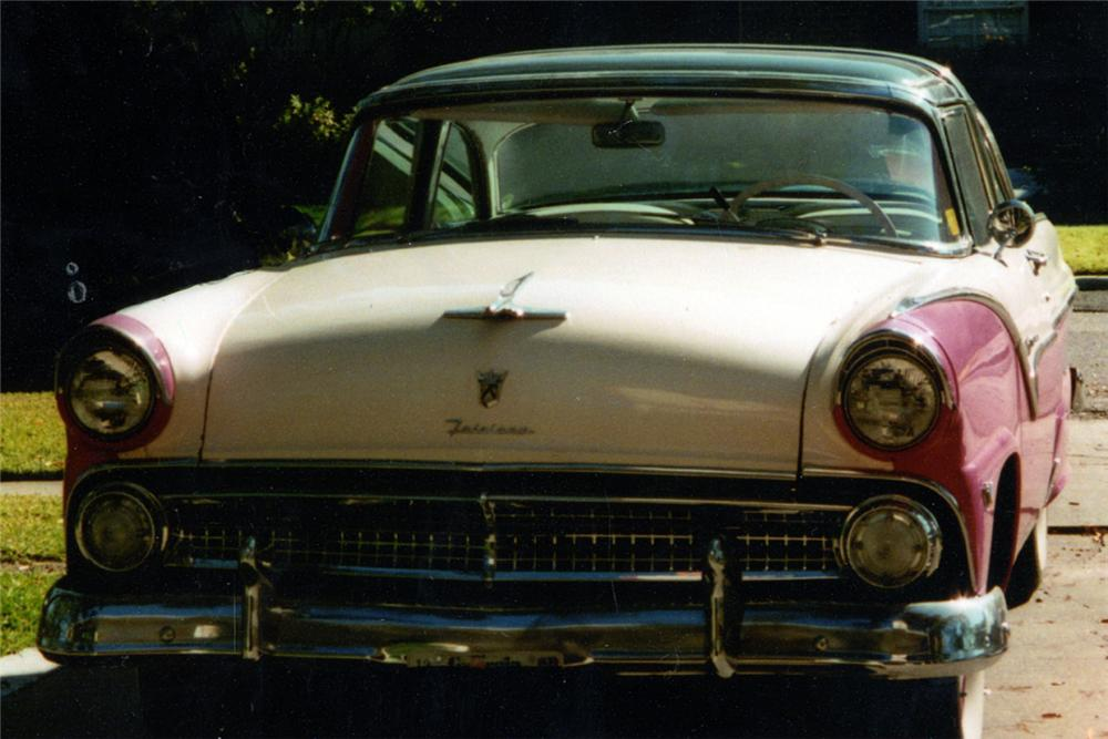 1955 FORD CROWN VICTORIA SKYLINER - Front 3/4 - 24594
