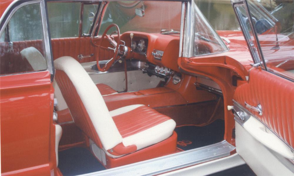 1960 FORD THUNDERBIRD 2 DOOR HARDTOP - Interior - 39643
