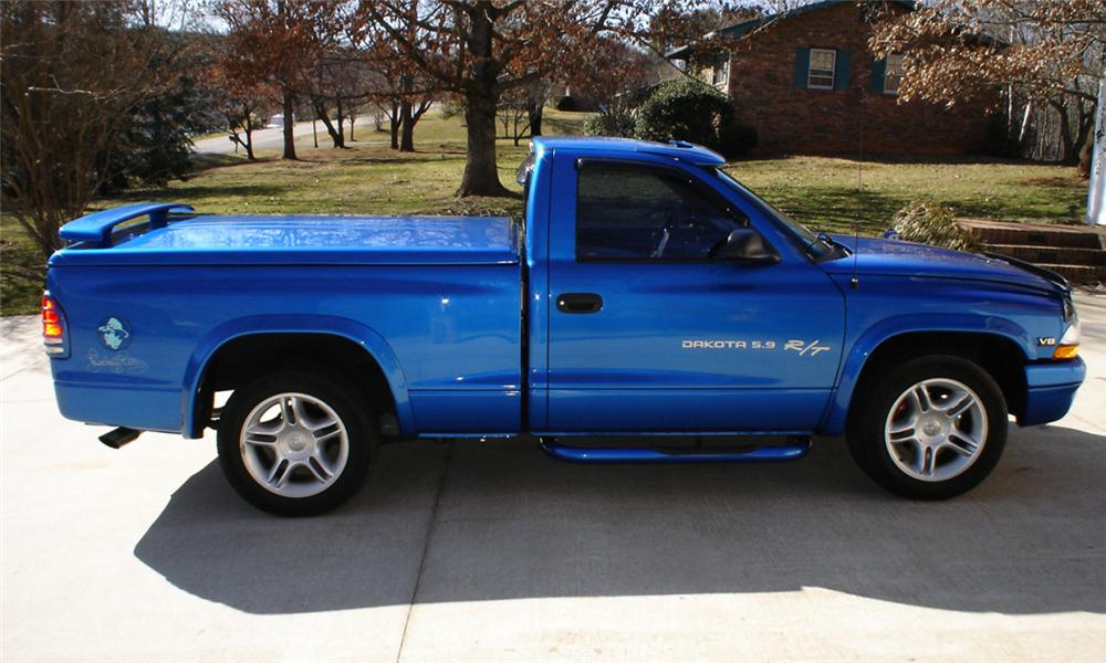 Side Profile Web on 2006 Dodge Dakota R T