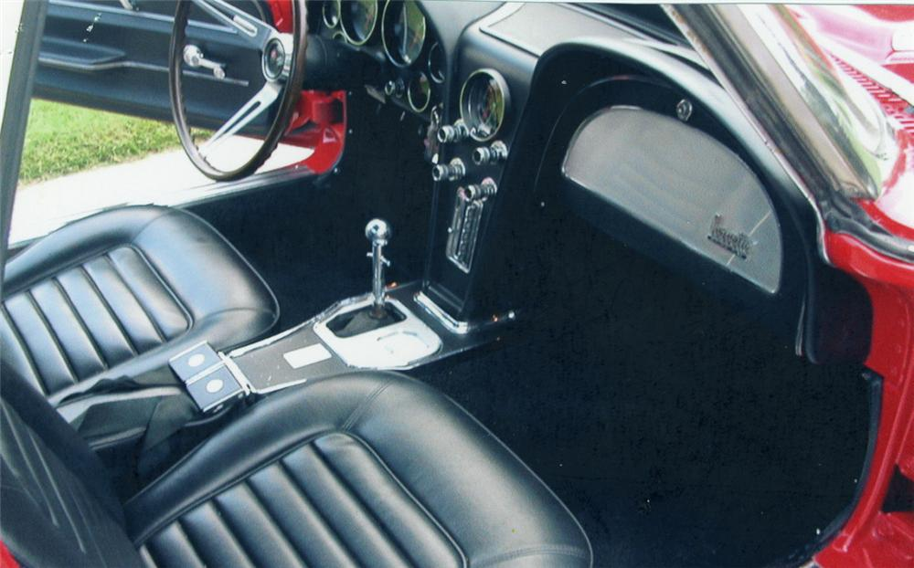 1966 CHEVROLET CORVETTE 427/425 CONVERTIBLE - Interior - 39650
