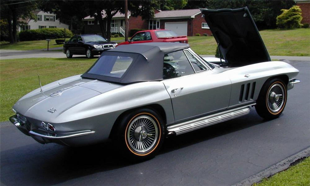 1966 CHEVROLET CORVETTE CONVERTIBLE - Rear 3/4 - 39662