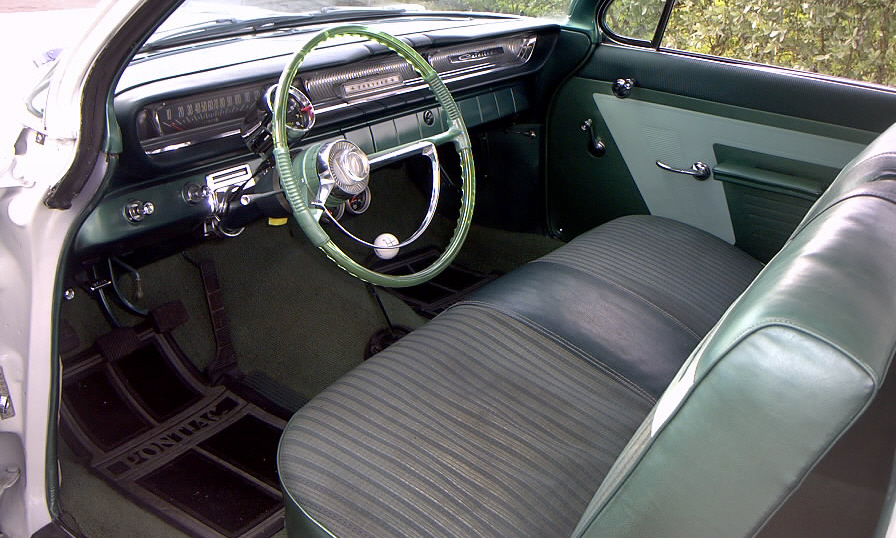1961 PONTIAC CATALINA 2 DOOR - Interior - 39680