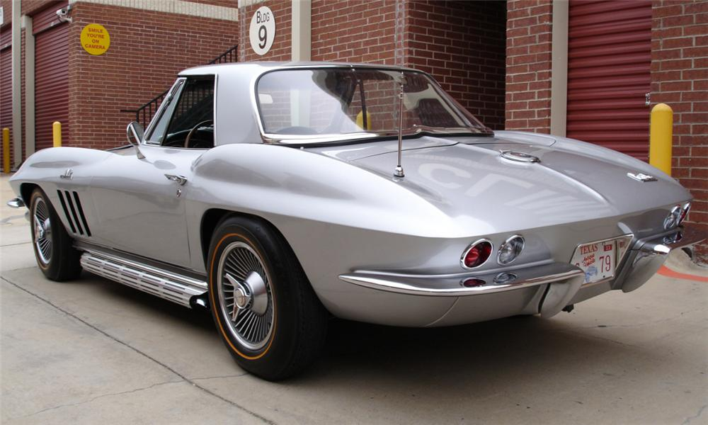 1966 CHEVROLET CORVETTE 427/425 CONVERTIBLE - Rear 3/4 - 39682