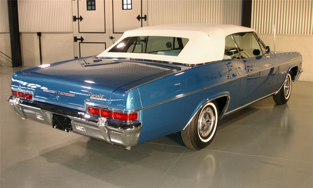 1966 CHEVROLET IMPALA SS CONVERTIBLE - Rear 3/4 - 39686