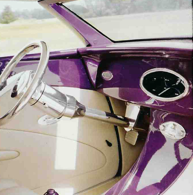 1937 FORD CUSTOM ROADSTER - Interior - 39691