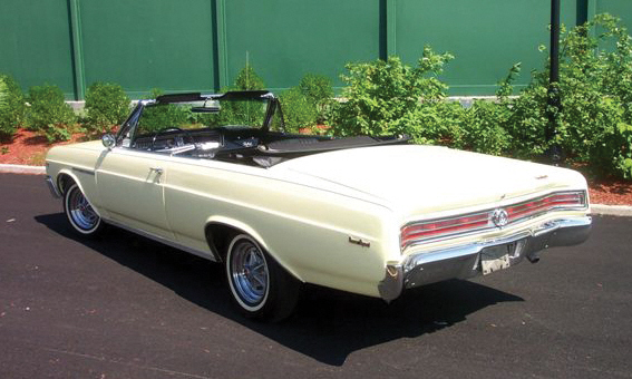 1965 BUICK GRAN SPORT CONVERTIBLE - Rear 3/4 - 39695