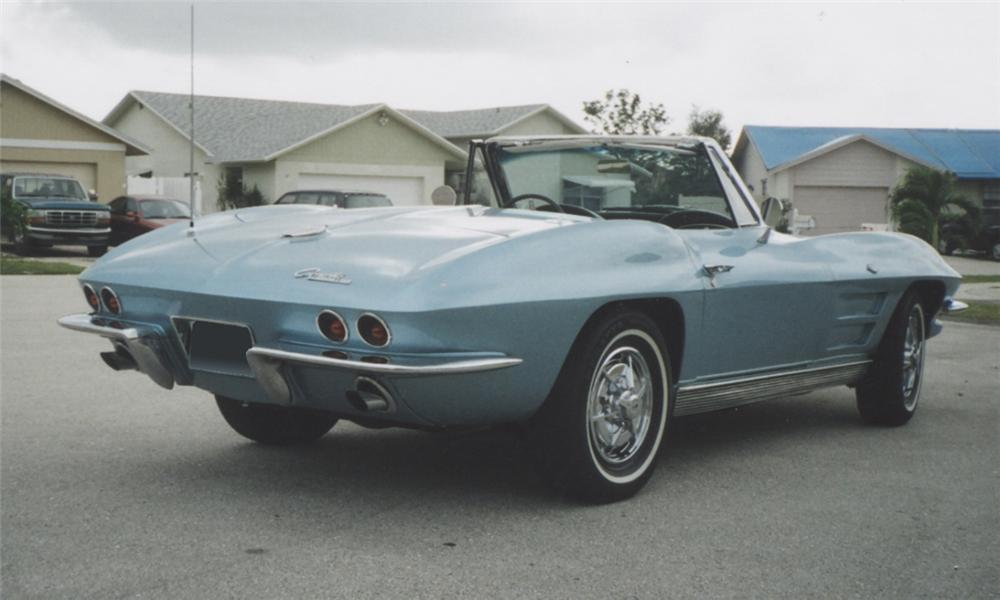 1963 CHEVROLET CORVETTE 327/350 CONVERTIBLE - Rear 3/4 - 39701