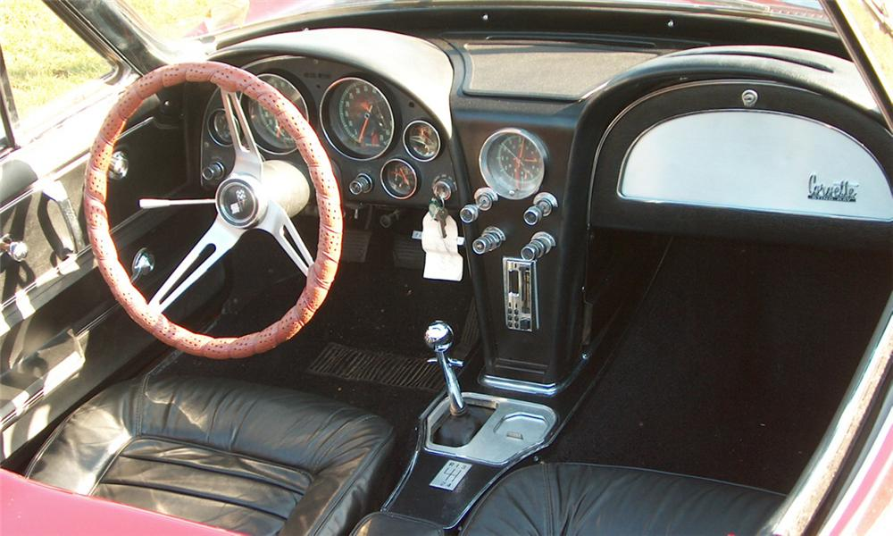 1966 CHEVROLET CORVETTE 327 CONVERTIBLE - Interior - 39704