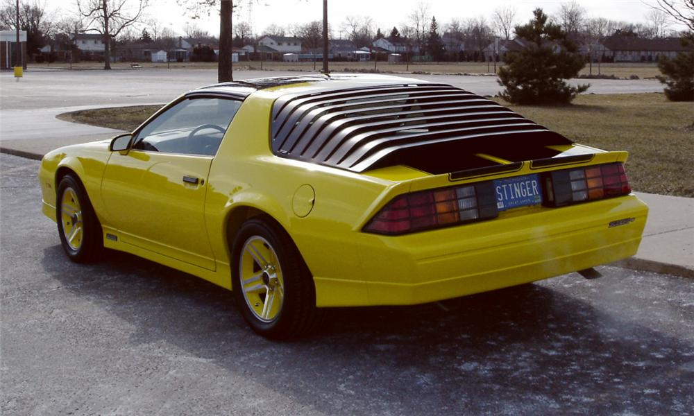 1985 CHEVROLET CAMARO IROC Z/28 T-TOP - Rear 3/4 - 39709