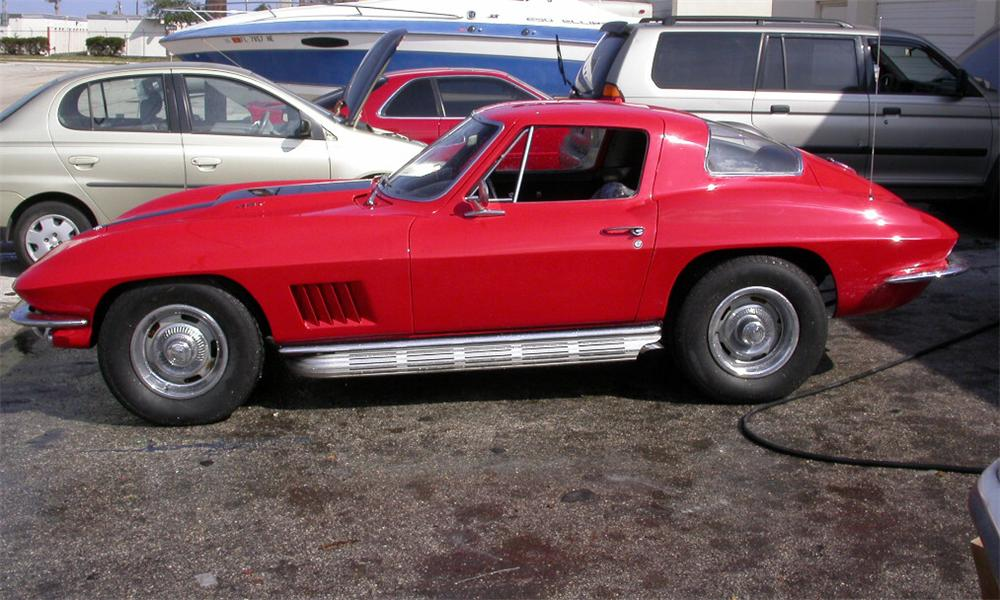 1967 CHEVROLET CORVETTE 427/390 COUPE - Side Profile - 39715