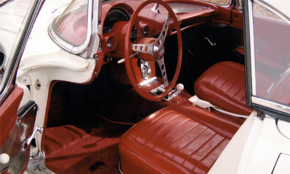 1959 CHEVROLET CORVETTE CONVERTIBLE - Interior - 39726