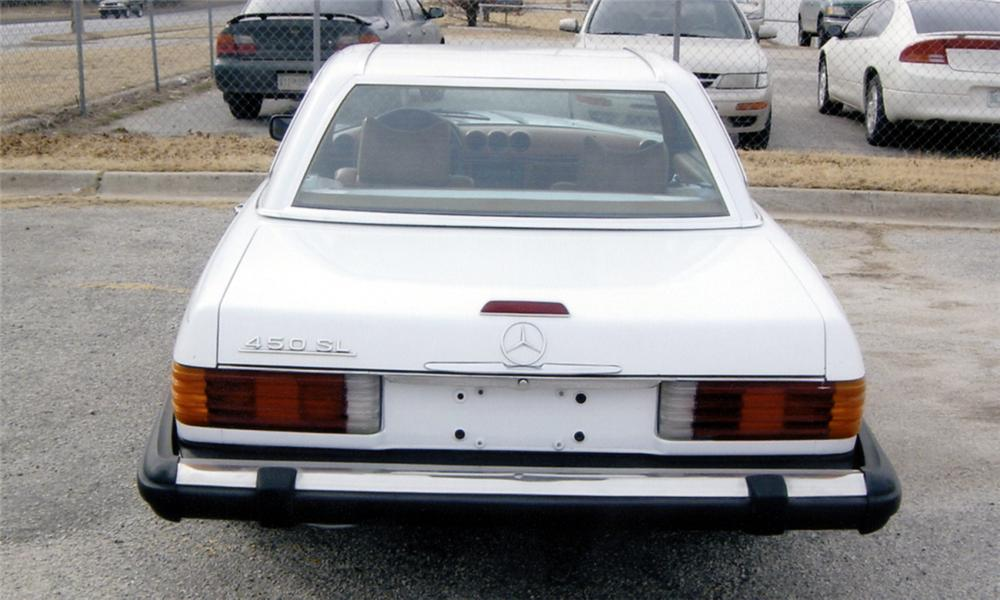 1974 MERCEDES-BENZ 450SL CONVERTIBLE - Rear 3/4 - 39737