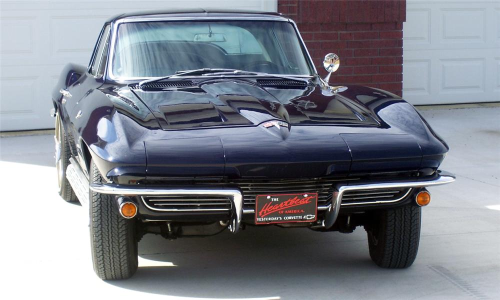 1964 CHEVROLET CORVETTE 327/300 COUPE - Front 3/4 - 39741