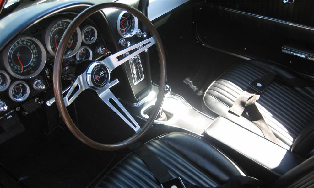 1964 CHEVROLET CORVETTE STINGRAY COUPE - Interior - 39759