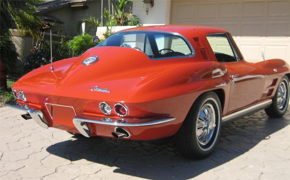 1964 CHEVROLET CORVETTE STINGRAY COUPE - Rear 3/4 - 39759