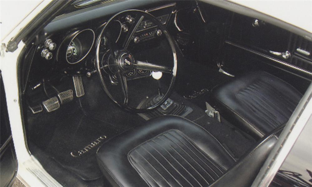 1967 CHEVROLET CAMARO RS COUPE - Interior - 39761